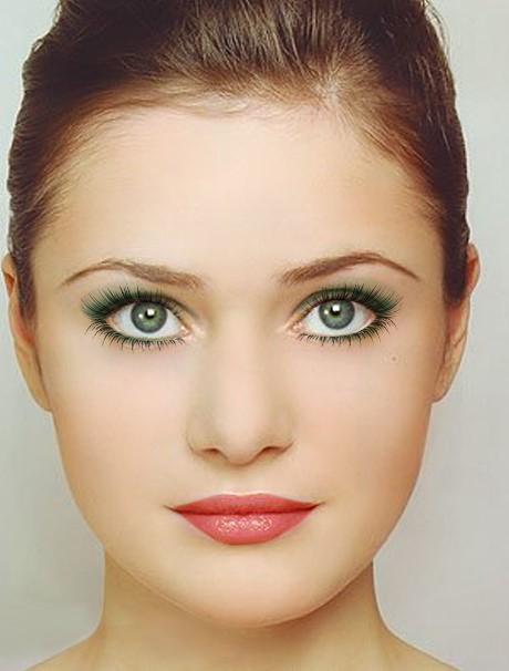 Отсутствие макияжа.  Женщины могут не пользоваться косметикой из различных соображений(аллергия на ее компоненты...